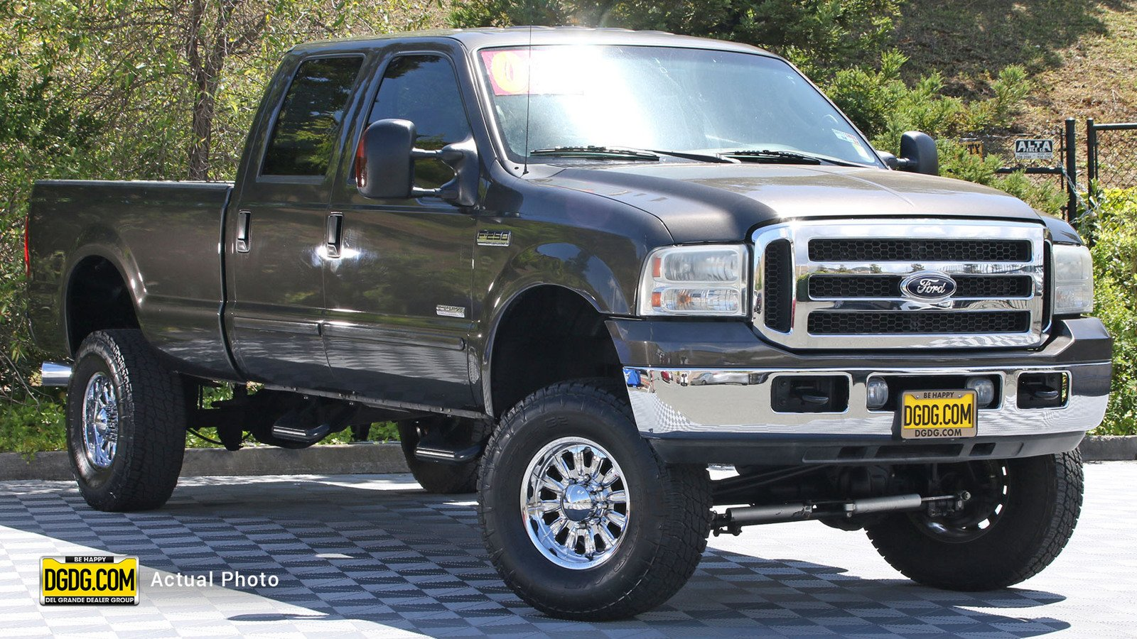 Pre-Owned 2006 Ford Super Duty F-250 XLT
